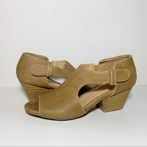 Tan Leather Open Toe Cut Out Chunky Heels